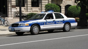 Boston_Police_cruiser_on_Beacon_Street